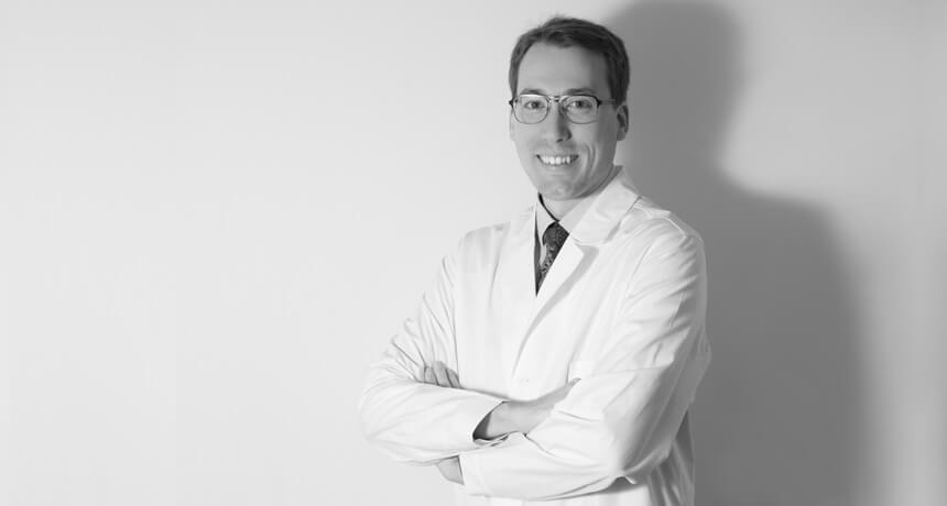 Dr. Alejandro Mazarro