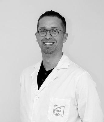 Dr. Santellán