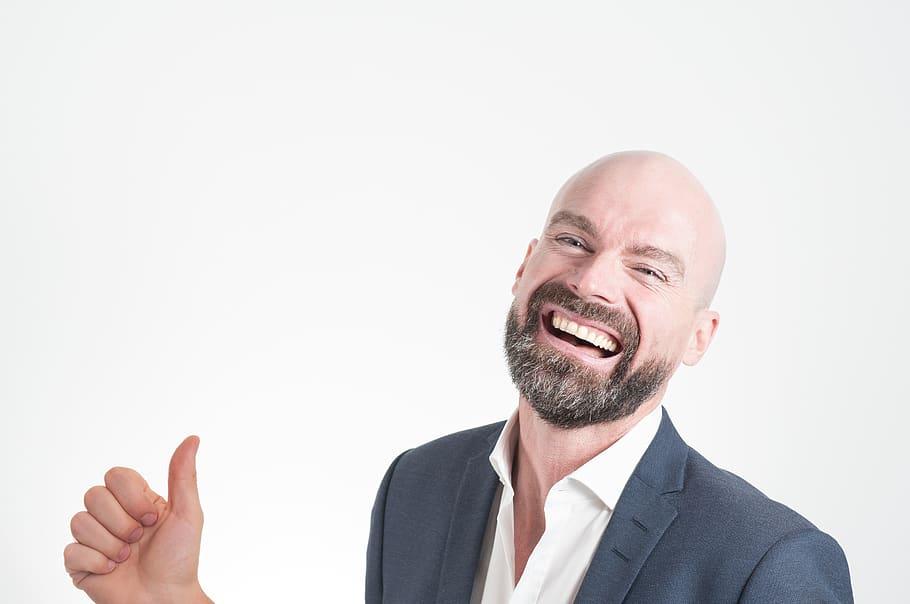 sourire avec des implants dentaires